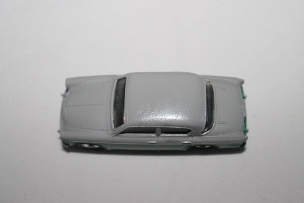 Dinky Toys 168 Singer Gazelle-top