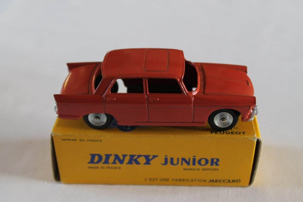 French Dinky Toys Junior 101 Peugeot 404-side