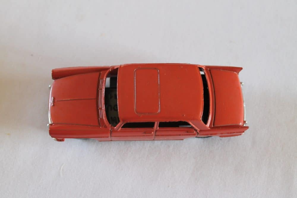 French Dinky Toys Junior 101 Peugeot 404-top
