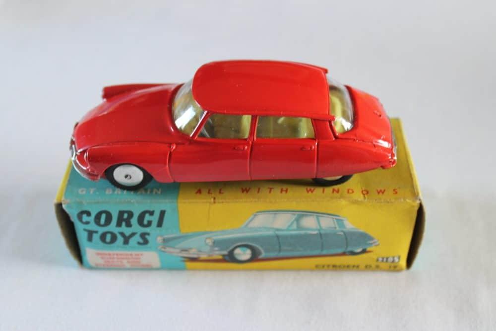 Corgi Toys 210S Citroen DS19