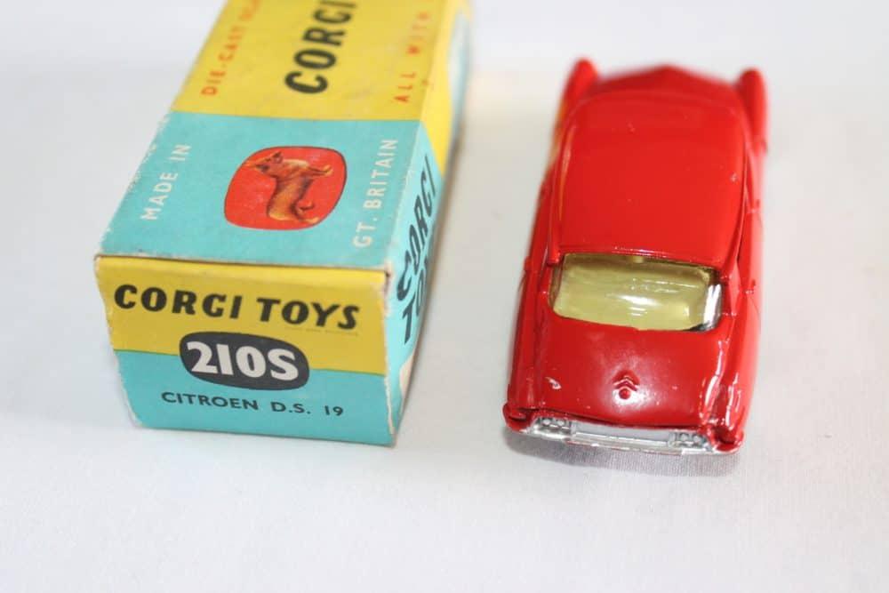 Corgi Toys 210S Citroen DS19-back