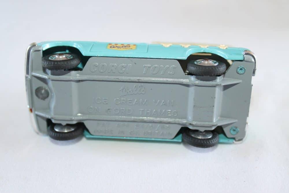 Corgi Toys 447 Ford Thames Wall's Ice Cream Van-base