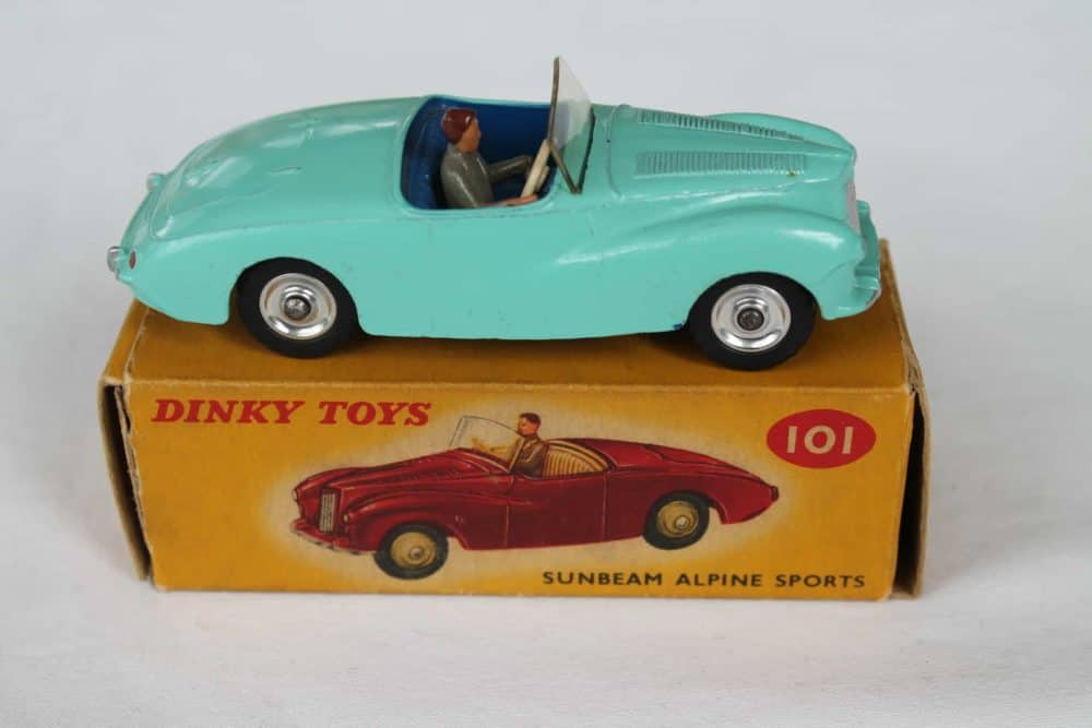 Dinky Toys 101 Sunbeam Alpine Tourer-side