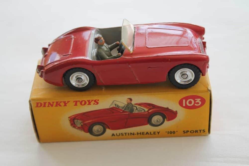 Dinky Toys 103 Austin Healey Tourer-side