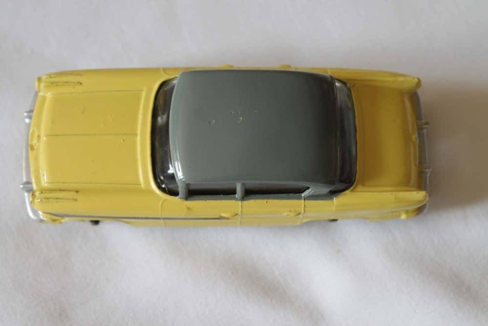 Dinky Toys 174 Hudson Hornet-top