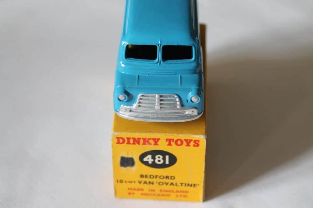 Dinky Toys 481 Bedford Ovaltine Van-front