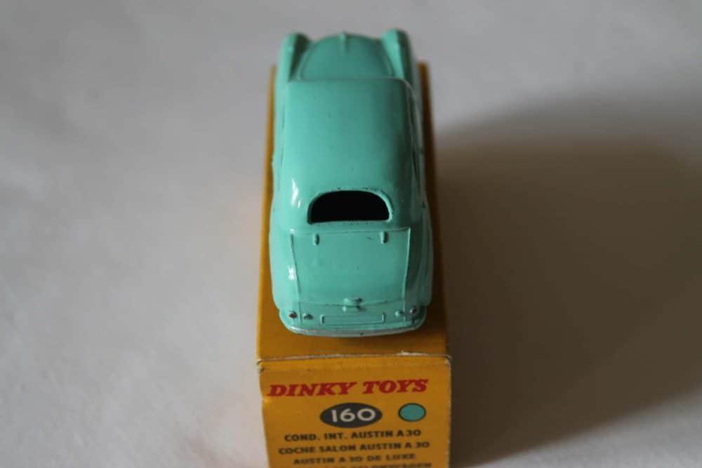 Dinky Toys 160 Austin A30 Saloon-back