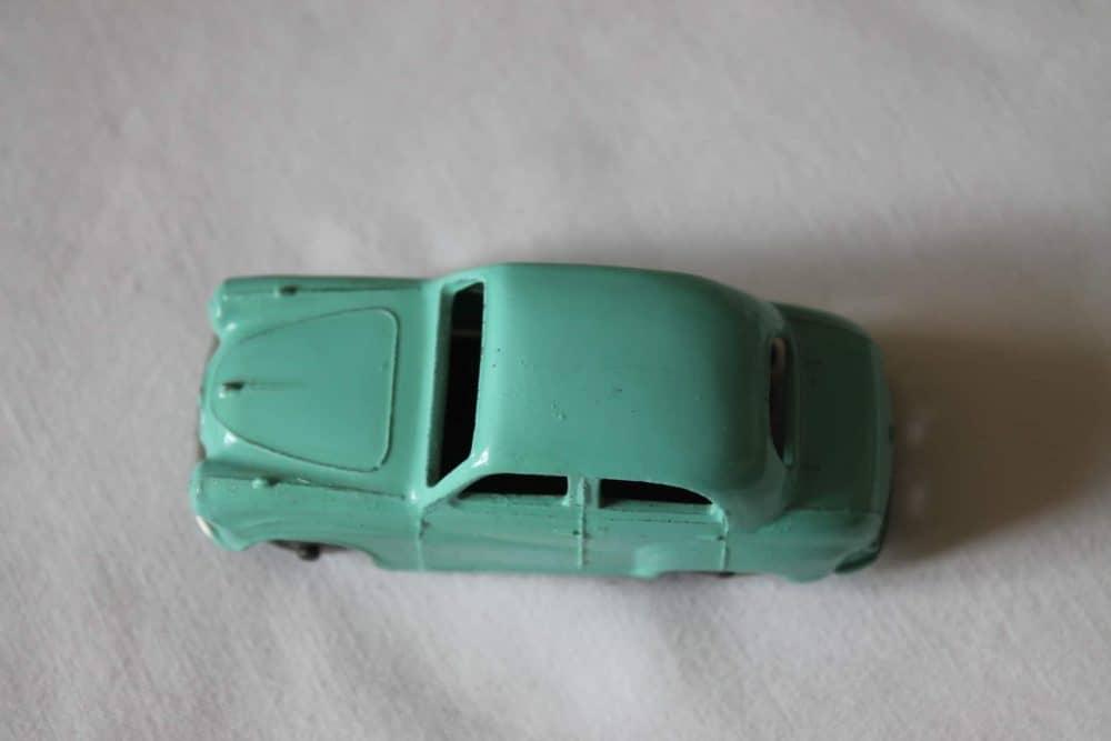 Dinky Toys 160 Austin A30 Saloon-top