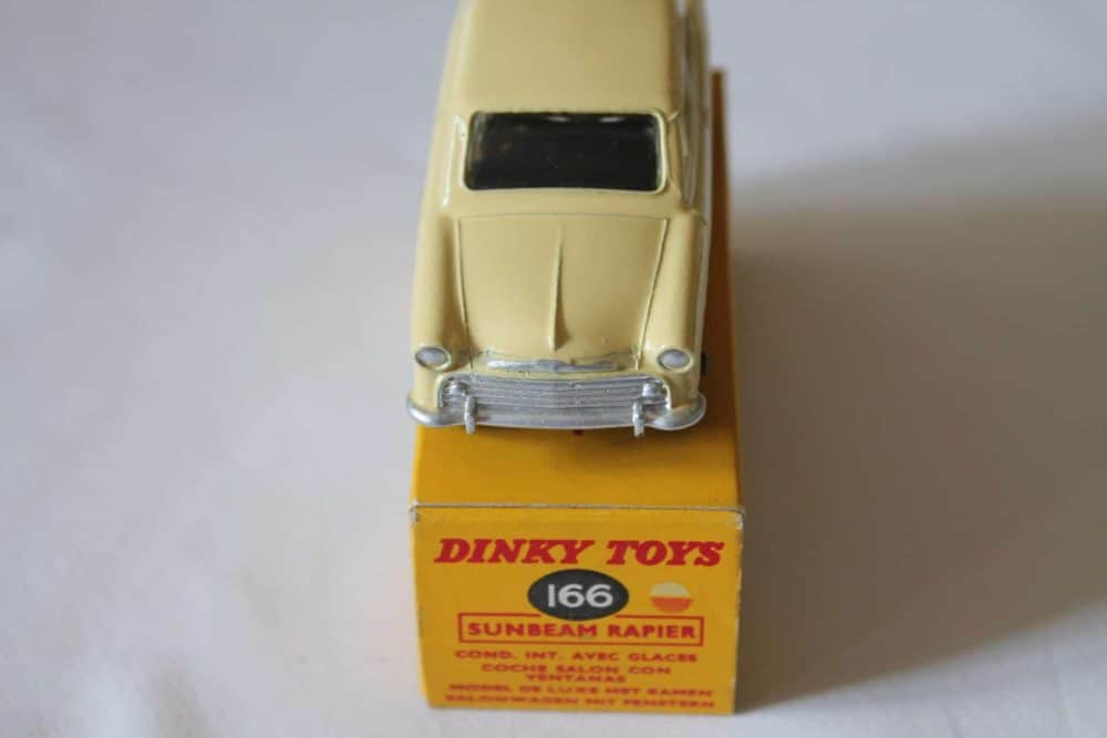Dinky Toys 166 Sunbeam Rapier-front