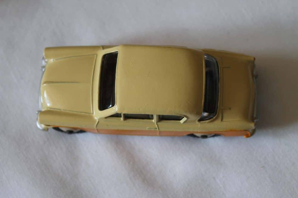 Dinky Toys 166 Sunbeam Rapier-top