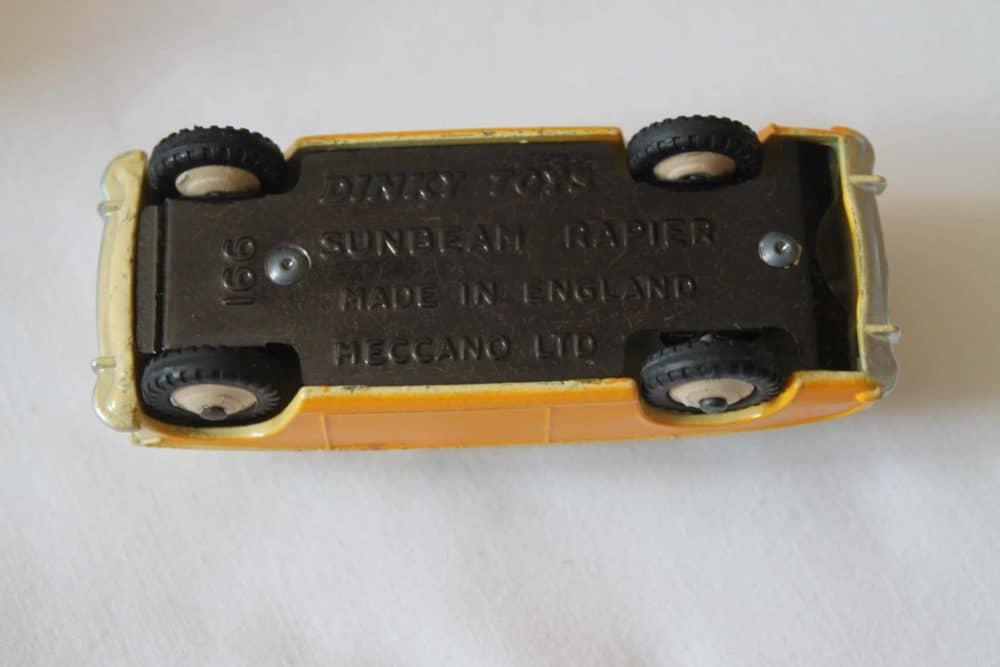 Dinky Toys 166 Sunbeam Rapier-base