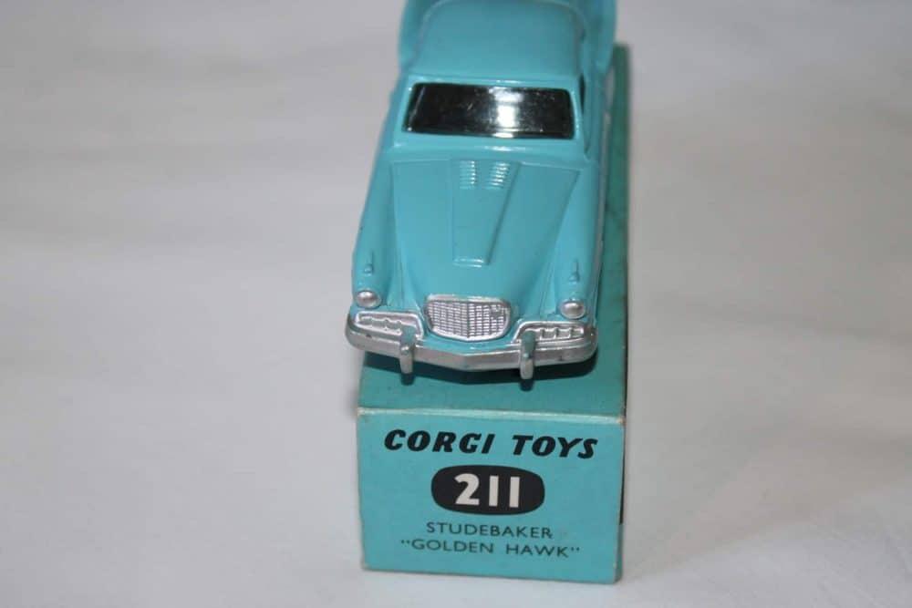 Corgi Toys 211 Studebaker Golden Hawk-front