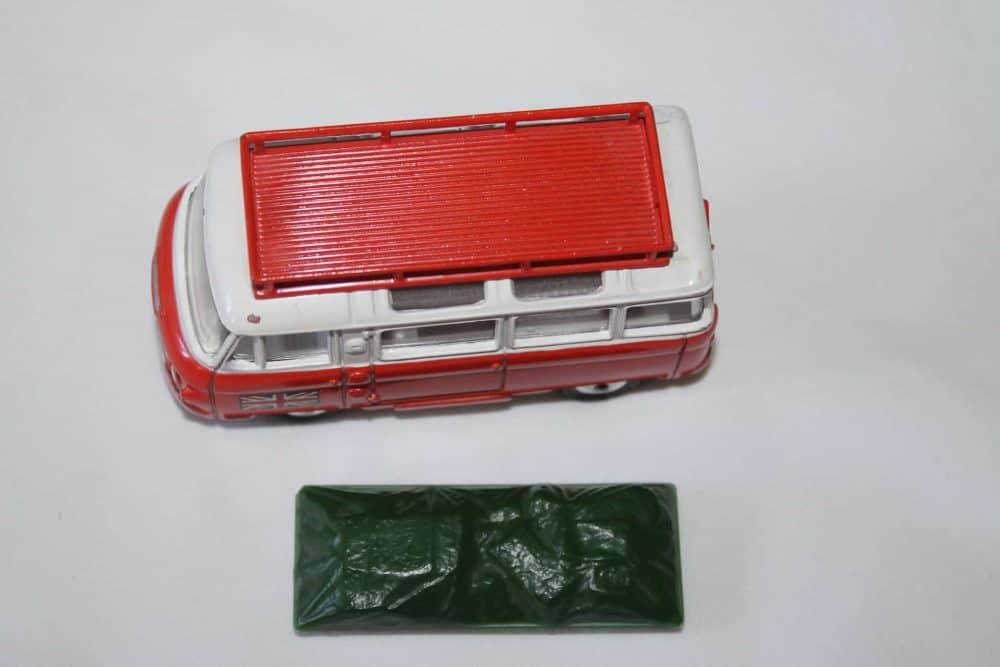Corgi Toys 508 Commer Holiday Camp Bus-top