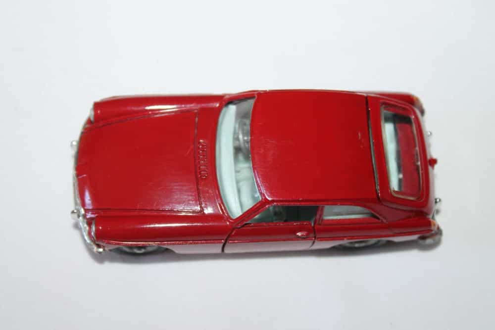 Corgi Toys 327 MGB G.T.-top