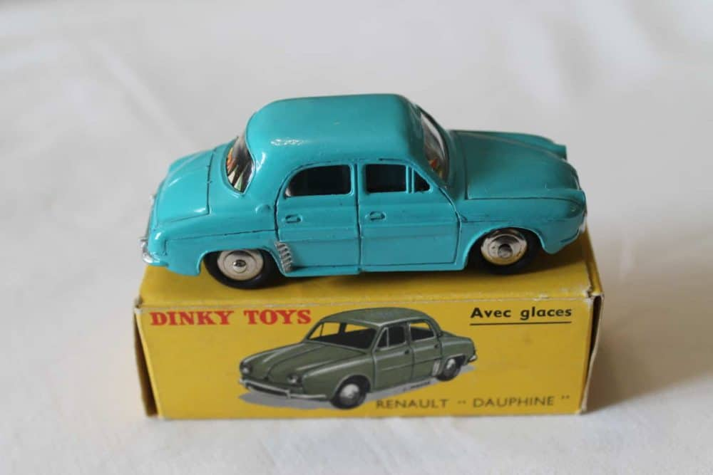 French Dinky Toys 524 Renault Dauphine-side