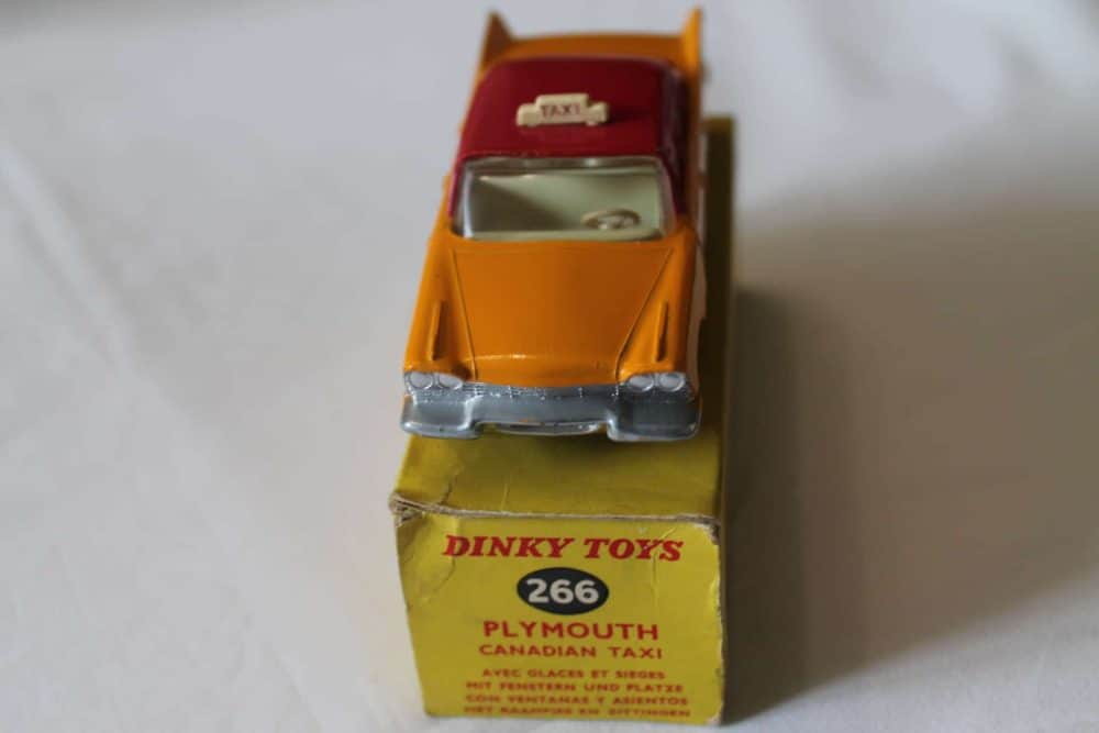 Dinky Toys 266 Plymouth Canadian Taxi-front