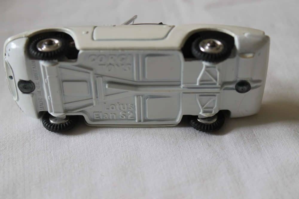 Corgi Toys 318 Lotus Elan S 2-base