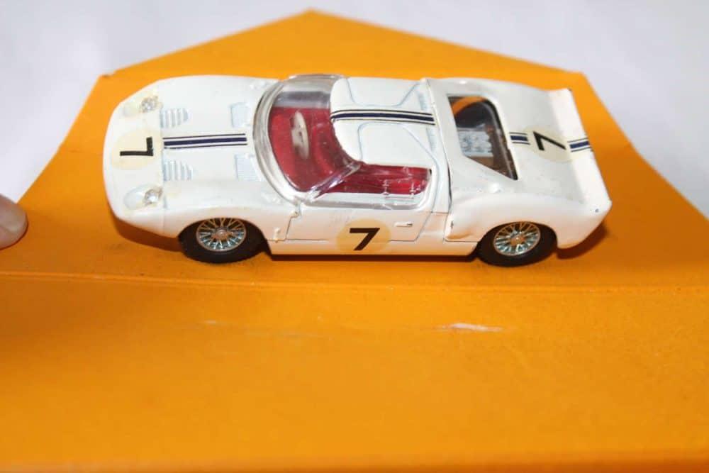 Corgi Toys 318 Lotus Elan S 2-side
