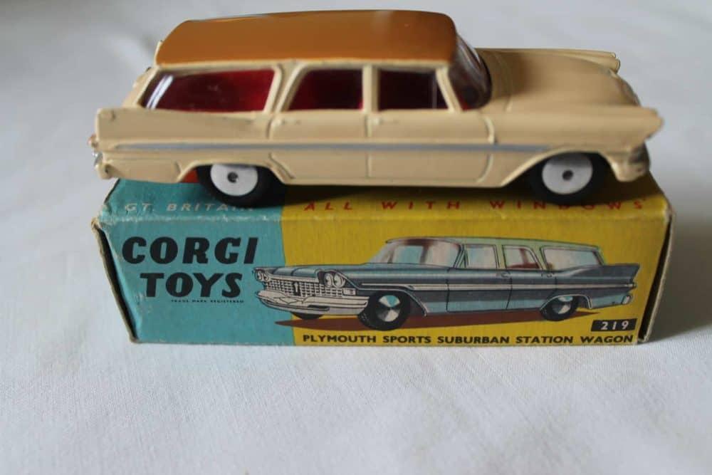 Corgi Toys 219 Plymouth Suburban Station Wagon-side