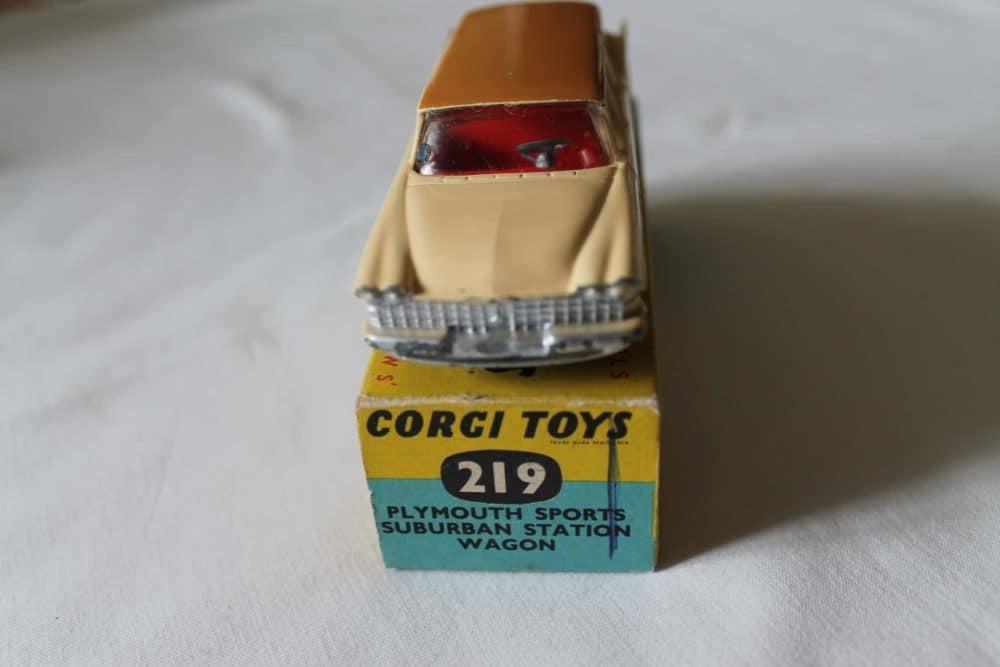 Corgi Toys 219 Plymouth Suburban Station Wagon-front
