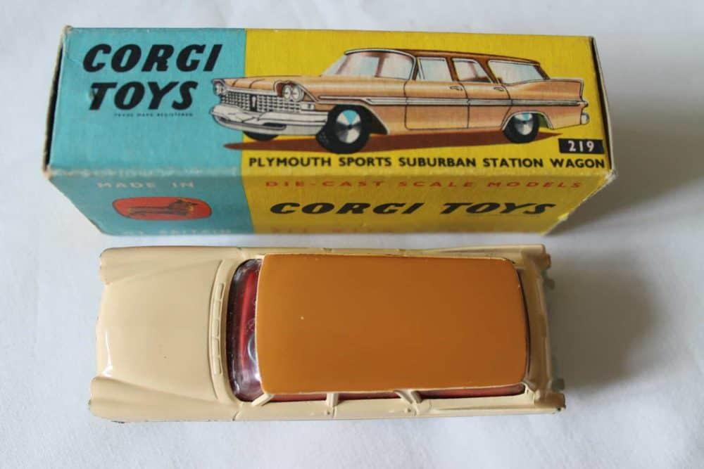 Corgi Toys 219 Plymouth Suburban Station Wagon-top