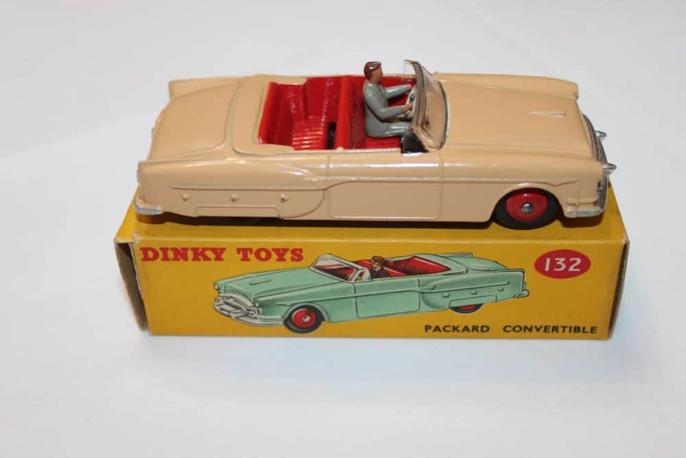Dinky Toys 132 Packard Convertible-side