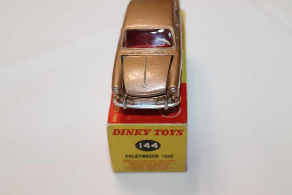Dinky Toys 144 Volkswagen 1500-front