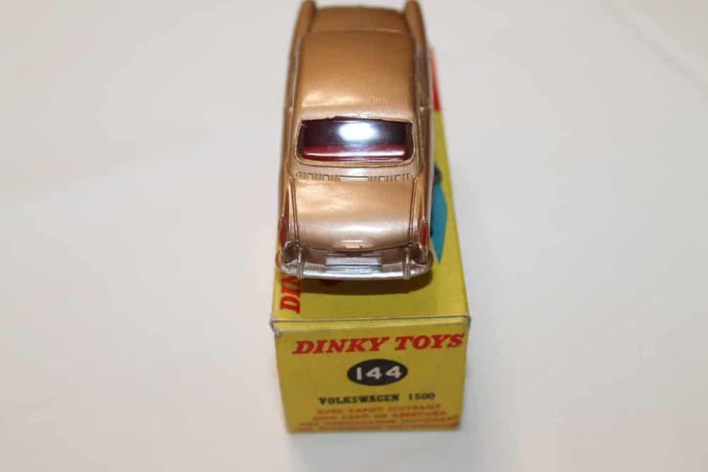 Dinky Toys 144 Volkswagen 1500-back