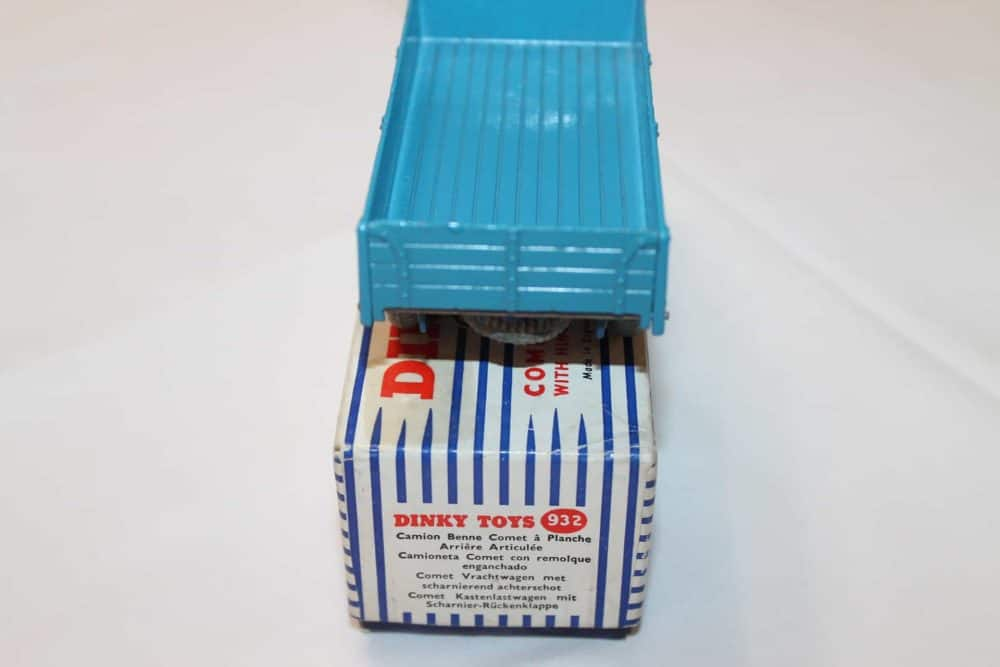 Dinky Toys 532 Comet Wagon with Tailboard-back