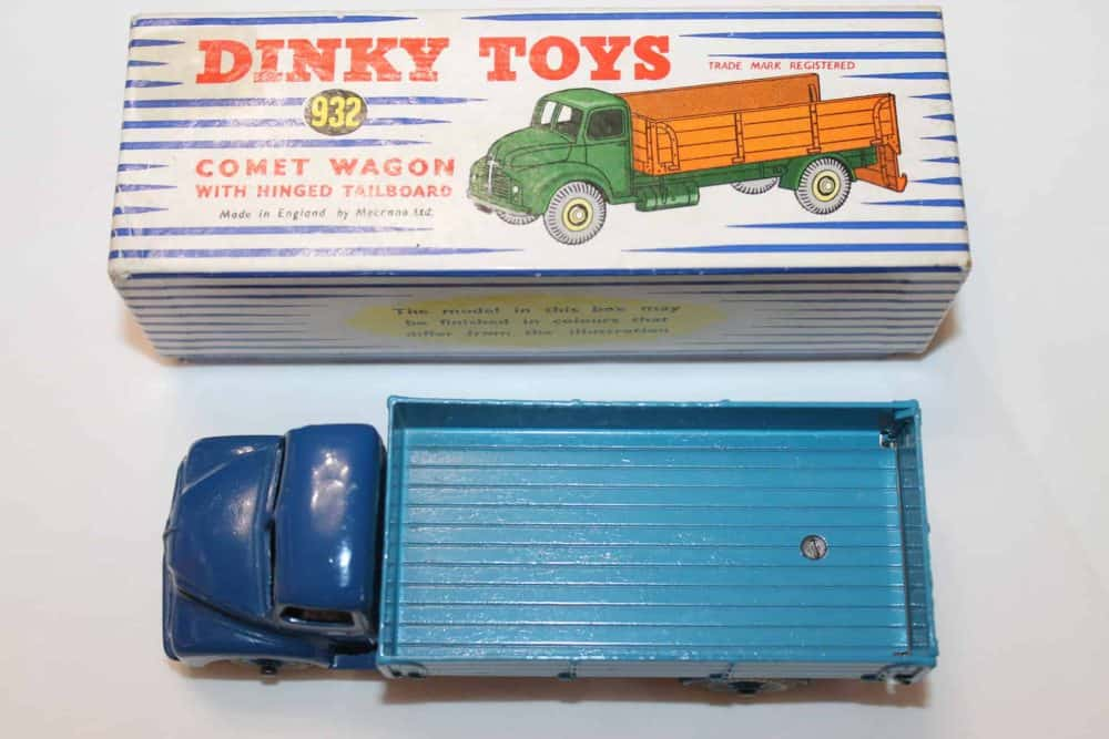Dinky Toys 532 Comet Wagon with Tailboard-top