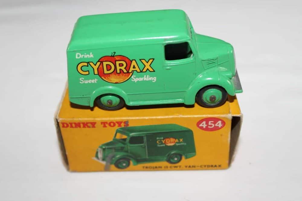 Dinky Toys 454 Trojan 'Cydrax' Van-side