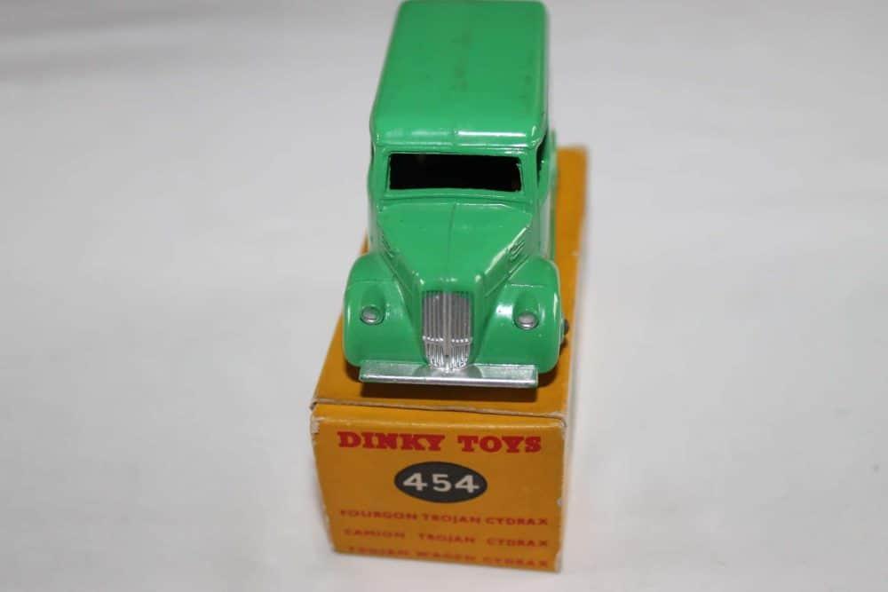 Dinky Toys 454 Trojan 'Cydrax' Van-front