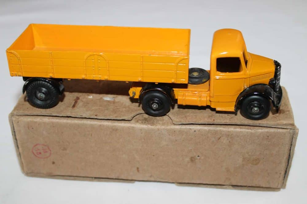 Dinky Toys 521 Bedford Articulated Lorry-side