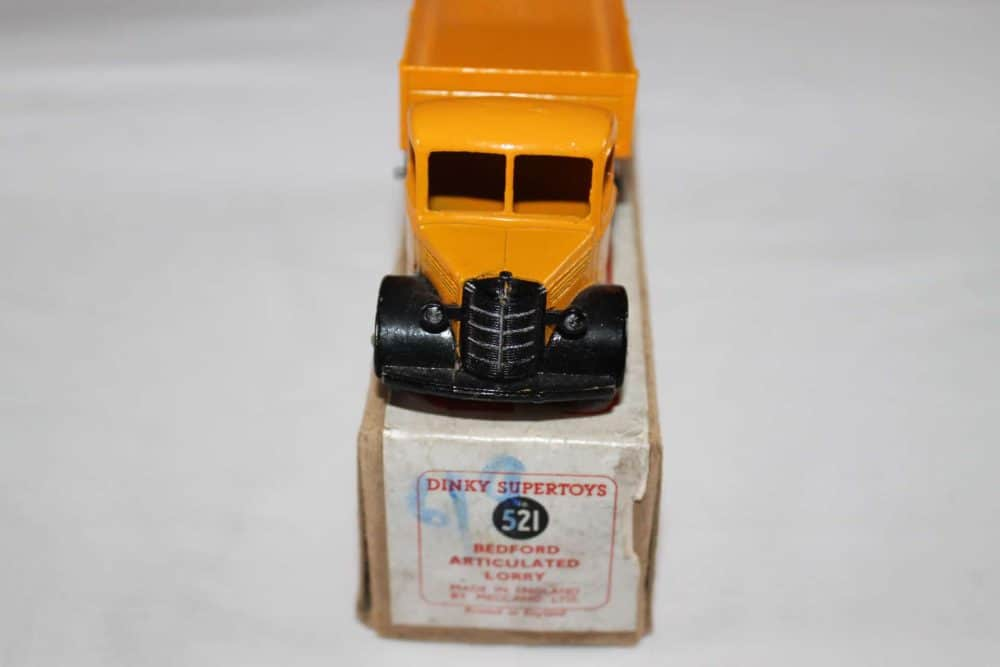 Dinky Toys 521 Bedford Articulated Lorry-front