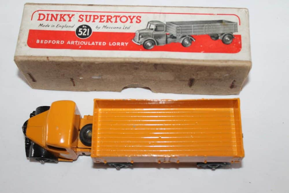 Dinky Toys 521 Bedford Articulated Lorry-top