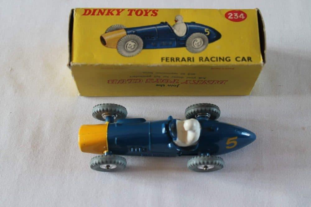 Dinky Toys 234 Ferrari Racing Car-top
