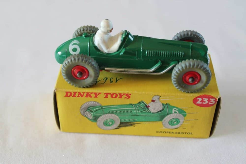 Dinky Toys 233 Cooper Bristol Racing Car-side
