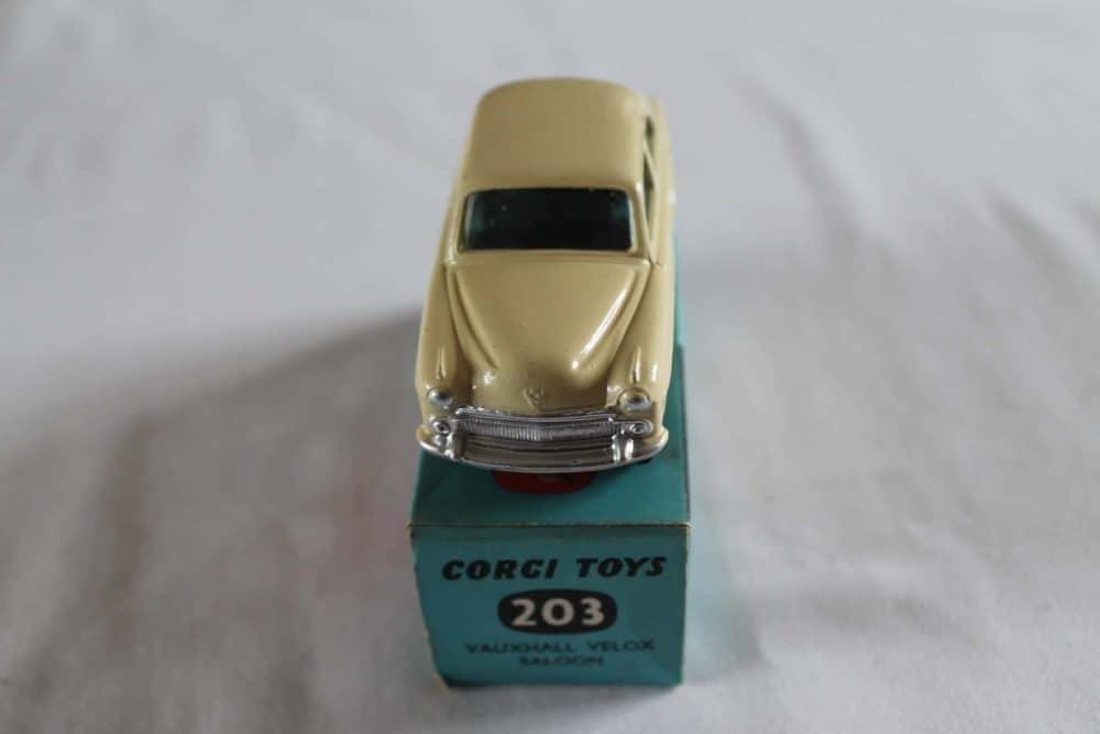 Corgi Toys 203 Vauxhall Velox-front