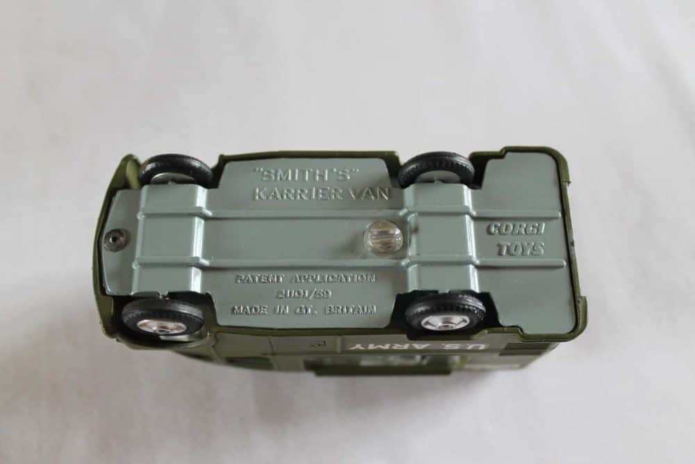 Corgi Toys 359 Army Field Kitchen-base