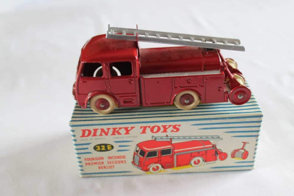 French Dinky Toys 032E Berliet First Aid Vehicle