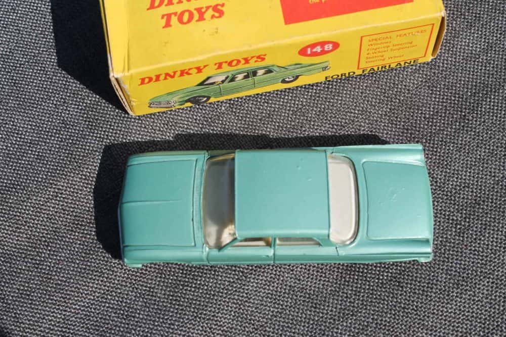 Dinky Toys 148 Ford Fairlane. Silver-Green-top