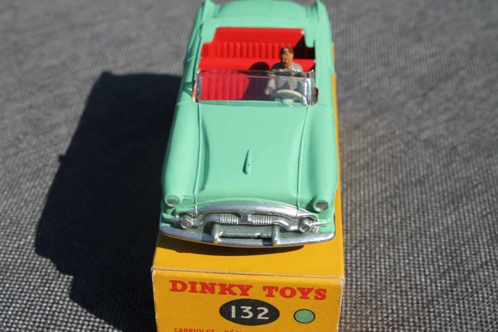 Dinky Toys 132 Packard Convertible-front