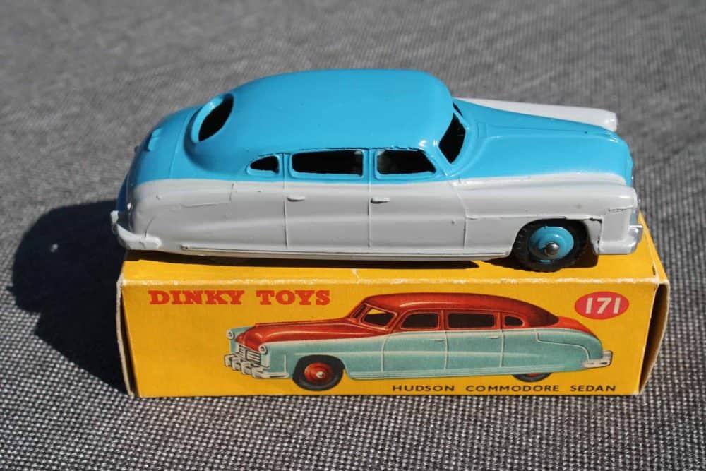 Dinky Toys 171 Hudson Commodore Highline Sedan Highline-side