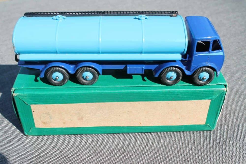 Dinky Toys 504 1st Cab Foden Tanker-side