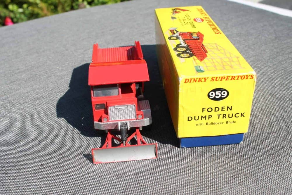 Dinky Toys 959 Foden Dump Truck-front
