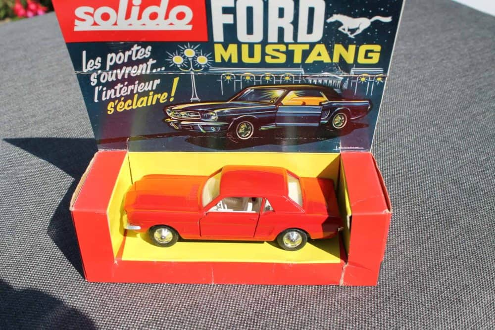 Solido Toys 147 Ford Mustang with Interior Light