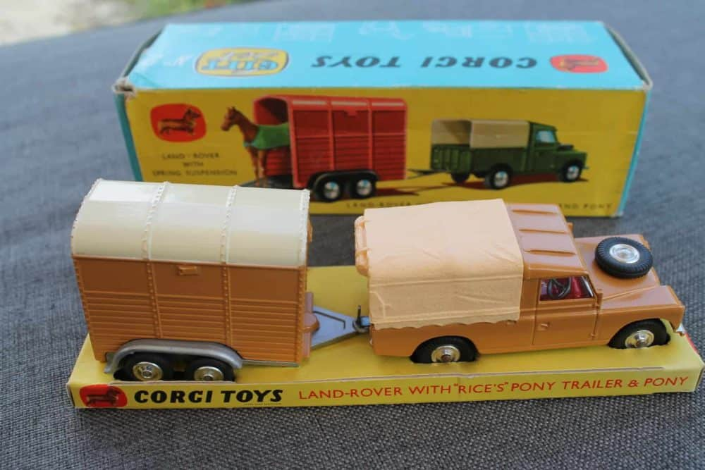 Corgi Toys Gift Set No 2 Land-Rover with Rice's Trailer & Pony-side