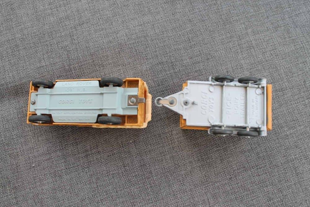 Corgi Toys Gift Set No 2 Land-Rover with Rice's Trailer & Pony-base