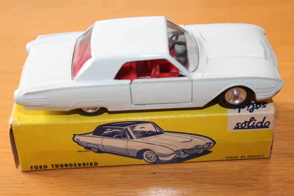 Solido Toys 128 Ford Thunderbird-side