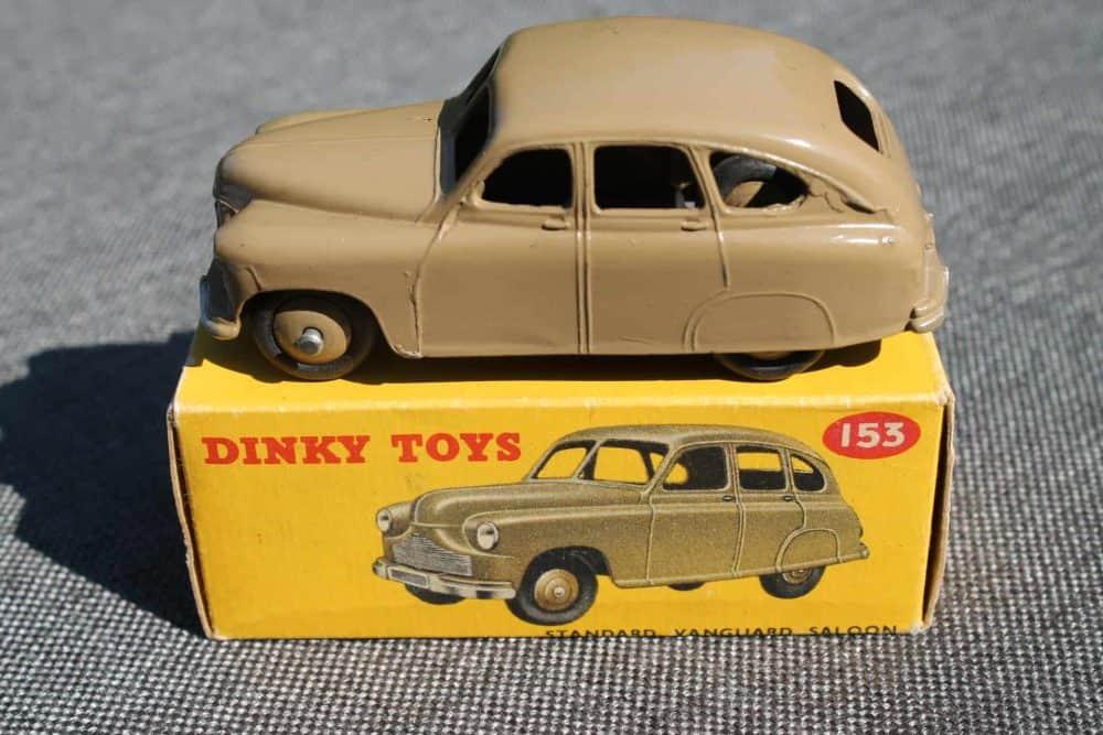 Dinky Toys 153 Standard Vanguard